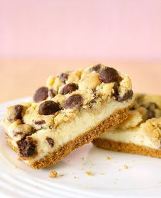 Chocolate Chip Cookie Dough Cheesecake Bars ~ These bars are totally unusual and will definitely bring all the lovers of chocolate chip cookies and cheesecakes only the best emotions! Chocolate Chip Cookie Cheesecake, Cookie Dough Cheesecake, Healthy Cheesecake, Chocolate Chip Cookies, Cookie Bars, Bar Cookies, Chocolate Cake, Kahlua Cheesecake, Cheese Cookies