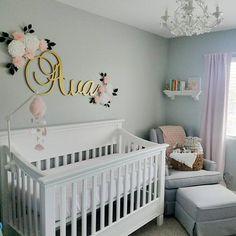 Glitter Nursery, Gold Nursery Decor, Baby Girl Nursery Decor, Baby Room Decor, Nursery Room, Baby Girl Room Themes, Girl Nursery Colors, Room Baby, Nursery Letters