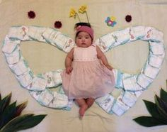 Monthly Baby Photos, Newborn Baby Photos, Baby Poses, Baby Girl Newborn, Baby Monat Für Monat, Baby Shooting, Baby Shots, Baby Girl Pictures, Cute Baby Videos