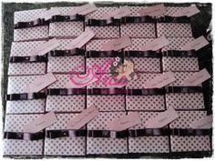 Convite de caixinha- rosa com marrom Pedido minimo: 50 unidades Menos que 50 unidades o valor é normal Acompanha tag Fitinha de cetim marrom R$ 2,70