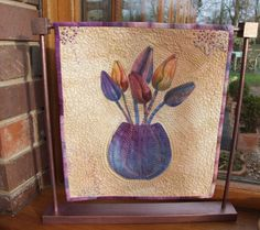 small tulip quilt by Linda Kemshall