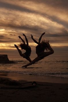 I wanna take dance pics with my best friend!