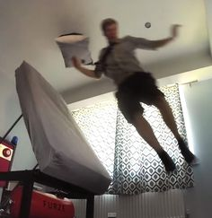 You will never oversleep again with this ejector bed