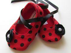 Cute polka dot shoes!