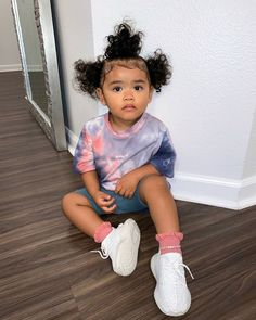 𝐒í𝐞𝐧𝐚 𝐏𝐫𝐞𝐬𝐥𝐞𝐲 𝐒𝗺𝐢𝐭𝐡 (@sienapresley) • Instagram photos and videos Cute Little Girls Outfits, Kids Outfits Girls, Toddler Girl Outfits, Cute Kids Fashion, Baby Girl Fashion, Toddler Fashion, Winter Baby Clothes, Cute Baby Clothes, Cute Mixed Babies