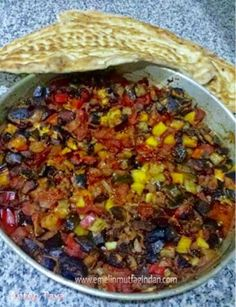 Antep Tava Tarifi – Et Yemekleri – The Most Practical and Easy Recipes Romanian Food, Turkish Recipes, Pasta, Homemade Beauty Products, Iftar, Meat Recipes, Chili, Food And Drink, Health Fitness