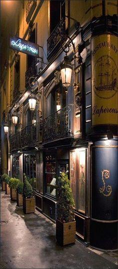 ~quai des Grands-Augustins - Paris 6e ... Le restaurant Lapérouse   The House of Beccaria