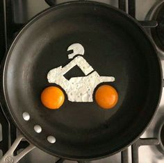Creative Fried Eggs Preparation for Breakfast - Tasty Food Ideas Egg Preparations, Food Jokes, Xmax, Tasty, Yummy Food, Egg Art, Chicken Eggs, Food Art, Love Food