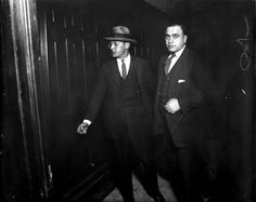 Beer runner Al Capone, who used the alias Al Brown, in criminal court in this undated photo. Chicago Outfit, Mafia Gangster, Al Capone, Chicago Tribune, Old Pictures, Role Models, Vintage Photos, Rare Photos, Crime
