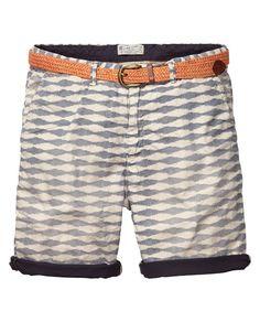 Los pantalones cortos es muy bonita. Los pantalones cortos es muy comodo. Llevar…