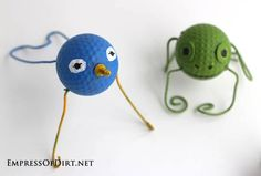 DIY Garden Buggies - recycled golf ball craft - bird and frog #earthday
