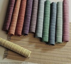 From Handwoven Magazine....12 placemats from one warp....definitely on the project list.