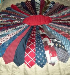 Necktie Quilt - what a great use of old ties! Quilting Projects, Sewing Projects, Sewing Hacks, Necktie Quilt, Shirt Quilts, Old Ties, Tie Crafts, Dresden Plate, Dresden Quilt