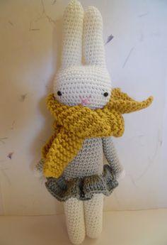 Mesmerizing Crochet an Amigurumi Rabbit Ideas. Lovely Crochet an Amigurumi Rabbit Ideas. Chat Crochet, Crochet Diy, Crochet Amigurumi, Crochet Mandala, Crochet Pillow, Love Crochet, Crochet Gifts, Baby Blanket Crochet, Crochet Dolls