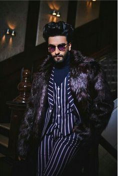 Ranveer Singh spends Valentine's Day with Deepika Padukone and her family, says she will kill him with her looks. See pics, video Bollywood Couples, Bollywood Stars, Bollywood Celebrities, Bollywood Fashion, Fashion Line, New Fashion, Fashion Outfits, Ranveer Singh Beard, Ladies Vs Ricky Bahl