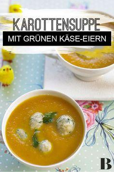 Möhrensuppe mit grünen Käse-Eiern. Ob die kleinen gelben Küken aus den Käse-Kräuter-Eiern geschlüpft sind, wissen wir auch nicht. Sicher sind wir aber: Die fein pürierte Möhrensuppe mit würziger Einlage schmeckt ganz vorzüglich! #möhren #suppe #eier #käse Brunch, Tricks, Cantaloupe, Eggs, Dinner, Fruit, Breakfast, Food, Soups And Stews