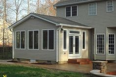 Room Additions Page - Classic Exteriors Renovieren Family Room Addition, Sunroom Addition, Basement Renovations, Home Renovation, House Remodeling, Remodeling Ideas, Screened Porch Designs, Four Seasons Room, Three Season Room