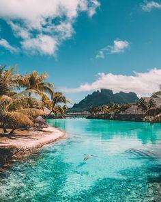 Bora Bora, Our Four Seasons Resort Experience – salty luxe How Would You Like . Bora Bora, Our Fou Romantic Holiday Destinations, Honeymoon Destinations, Honeymoon Outfits, Romantic Getaways, Dream Vacations, Vacation Spots, Bora Bora Pictures, Bora Bora French Polynesia, Bora Bora Honeymoon