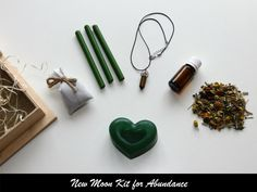 New Moon Kit for Abundance from Moon Organizer - Moon Witchcraft Essential Oil Mixtures, New Moon Rituals, Cinnamon Oil, Moon Calendar, Moon Witch, Ancient Symbols, Cotton Bag, Winter Holidays, Witchcraft