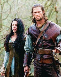 Snow White and the Huntsman - Kristen Stewart & Chris Hemsworth