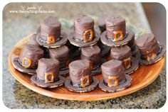 cutest thanksgiving treats EVER!!! so doing this for my son's preschool class. :)