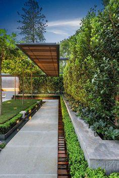 Modern Landscape Design, Landscape Plans, Garden Landscape Design, Modern Design, Modern Front Yard, Front Yard Design, Side Yard Landscaping, Modern Landscaping, Landscaping Ideas