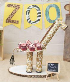 como fazer enfeite mesa aniversario infantil tema zoologico safari girafinha cupcake (1)