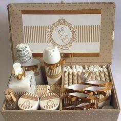 Los kits de baño para invitados o conocidos como cestas de baño. Adivina que se tiene que poner y como hacer tus kits de baño.