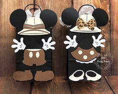 Excited to share this item from my shop: Mickey Mouse Safari , Minnie Mouse Safari, theme treat bags / favor bags Safari theme , Safari, Candy Bags Safari Theme Party, Safari Birthday Party, Jungle Party, 1st Birthday Parties, Mickey Mouse Birthday, Mickey Minnie Mouse, Bolo Mickey Safari, Safari Jungle, Party Favor Bags