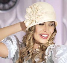 Dámske čiapky a barety : Dámsk čapica DORIS
