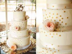 Wedding Cake with Peach and Pink Flowers | Aaron Huniu Photography | #4tiercake #weddingcake #mrmrstopper