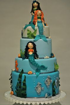 cute mermaid cake