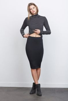Style Advice What to Wear - Chic Business Travel. (Note you will want to keep your shirt down) :) Yuma Softest Pencil Skirt