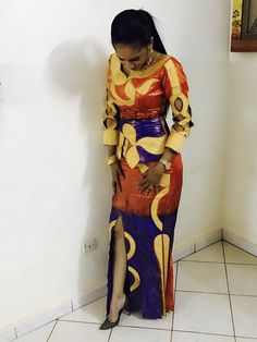 The front slit - perfect! African Clothing For Men, African Dresses For Women, African Print Dresses, African Print Fashion, Africa Fashion, African Fashion Dresses, African Women, Fashion Outfits, African Clothes