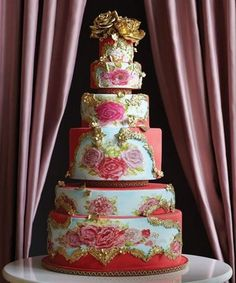 English Garden: Vanilla princess #cake with hand-painted flowers, alternating layers of strawberry buttercream and rose-infused white chocolate ganache. Cake Opera Co., Toronto, Canada.