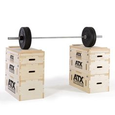 ATX® Heavy Weight - Wood Jerk Block Set. Das Anwendungsspektrum dieser Blocks liegt vorzugsweise bei der Durchführung von klassischen partiellen Kraftübungen wie z.B. Umsetzen / Stoßen, Kniebeugen oder Kreuzheben. Die Blocks ermöglichen, durch die flexible Wahl der Starthöhen / Endpositionen einen partiellen (gezielt limitierten) Bewegungsablauf bei der jeweils gewählten Übung. #heavyweight…