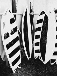 vintage surf boards, black and white photography Surfboard Art, Skateboard Art, Deco Surf, Hang Ten, Surfs Up, Burton Snowboards, Black White Stripes, Kitesurfing, Longboards