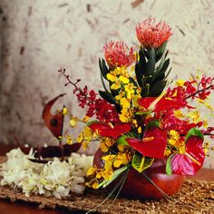 Blooms from Hawaii - Modern Tropical Floral Arrangements, Flower Arrangements, Where To Buy Flowers, Day Lilies, Lilies Flowers, Hawaiian Flowers, Wedding Tattoos, Flower Decorations, Hibiscus