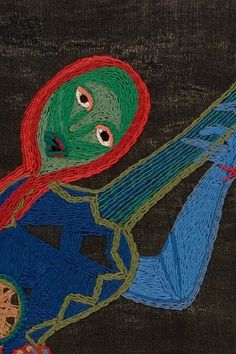La segunda muestra del renovado Espacio Violeta Parra exhibe un conjunto de sus obras -arpilleras, óleos y piezas en papel maché- en relación a su autobiografía, narrada en versos en sus Décimas. Textile Fiber Art, Textile Artists, True Art, Outsider Art, Embroidery Art, Diy Fashion, Art Reference, Art For Kids, Folk Art