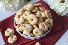 Donut Shape, Biscotti Cookies, Donuts, Buffet, Biscuits, Muffins, Oven, Food And Drink, Sweets