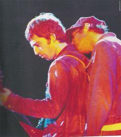 Noel Gallagher and Liam Gallagher Liam Gallagher Noel Gallagher, Oasis Live Forever, Oasis Album, Liam Oasis, Oasis Band, Liam And Noel, Rock Y Metal, Britpop, Progressive Rock