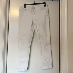 I just discovered this while shopping on Poshmark: Michael Kors Cropped White Denim Jeans. Check it out! Price: $20 Size: 4