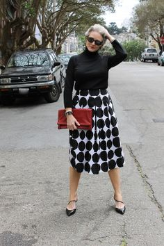 Best Fashion Tips For Women Over 60 - Fashion Trends Over 60 Fashion, Mature Fashion, Over 50 Womens Fashion, 50 Fashion, Look Fashion, Plus Size Fashion, Fashion Outfits, Fashion Tips, Fashion Trends
