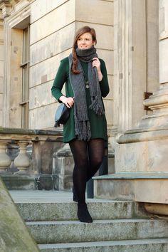 herbst outfit   fall   autumn   look   scarf   schal   strickschal   grau   kleid   dress   green   grün   ankle boots   schwarze   black   fashionblogger   fashion   JustMyself