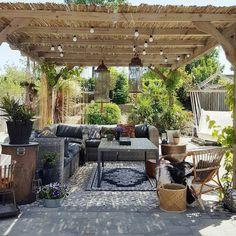 Average Cost to Landscape Backyard . Average Cost to Landscape Backyard . Cozy Backyard, Backyard Patio Designs, Backyard Pergola, Backyard Landscaping, Backyard Ideas, Outdoor Rooms, Outdoor Living, Outdoor Decor, Tenda Gazebo