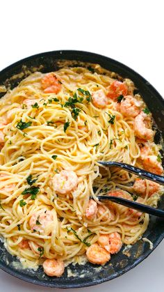 Shrimp in a cream sauce with noodles 3 servings - health-fitness - Makaron Great Recipes, Vegan Recipes, Cooking Recipes, Food Goals, Love Food, Easy Meals, Food Porn, Food And Drink, Health Fitness