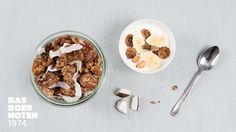 Granola met kokos en banaan Granola, Cereal, Breakfast, Food, Morning Coffee, Eten, Meals, Muesli, Corn Flakes