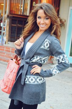 Stare At The Sky Cardigan: Grey. My favorite cardigan Fall Winter Outfits, Winter Wear, Autumn Winter Fashion, Mode Style, Fashion Outfits, Womens Fashion, Chic, In This World, Passion For Fashion