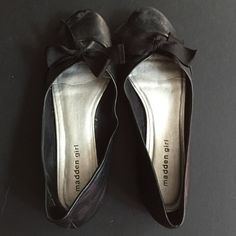Madden girl shoes Black with bows. Price reflects wear. Flats. Add to your order for $3 Madden Girl Shoes