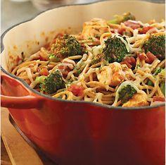 One-Pot Chicken & Broccoli Pasta by @mytexaslife